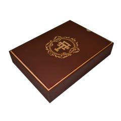 """Лазерная резка и гравировка Кашированная коробка """"VIP Логотип"""" 8(499) 409-28-36"""
